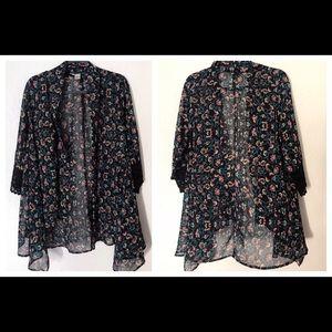J Gee Medium Navy Black Floral Kimono